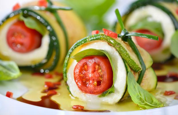 Caprese mit gebratenen Zucchinischeiben